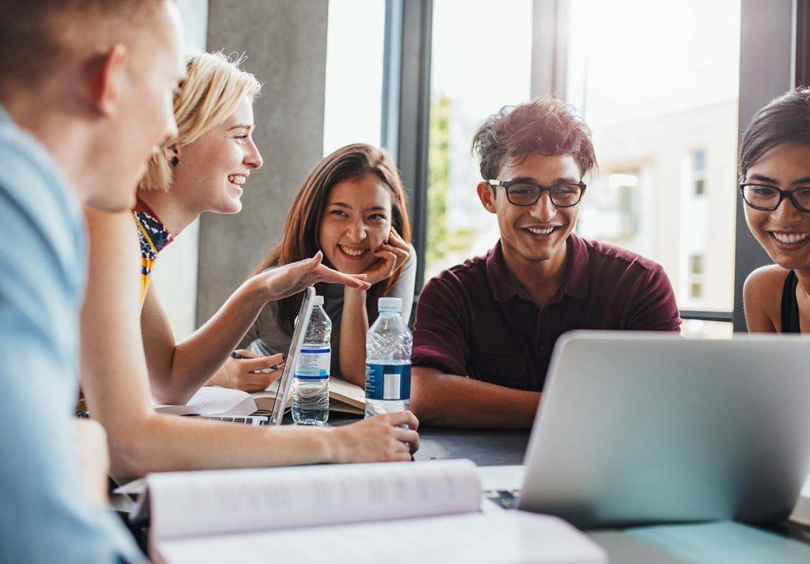 Como os cursos online podem beneficiar sua carreira